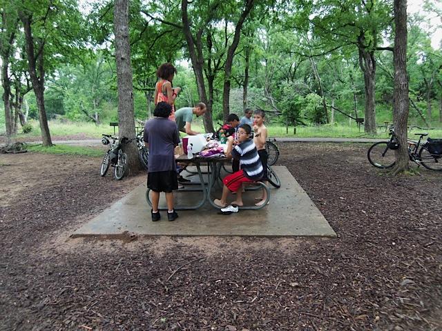 Mendez-bike_club-20150418-Mckinney_Falls-4